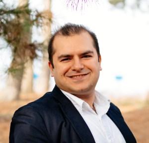 DR AMIR AZHARI
